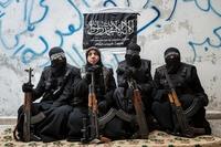 Quatre femmes soldates à Alep